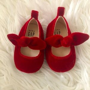 Ruby slippers 0-3m